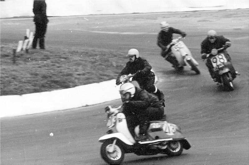 Marten Holdway on a GP125 in the 225 race at Mallory Park